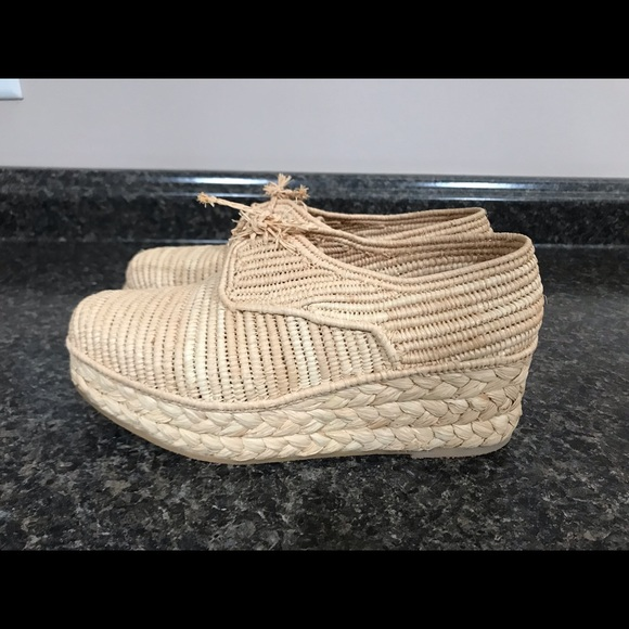 Robert Clergerie Shoes - 💯 Auth Robert Clergerie raffa straw shoes